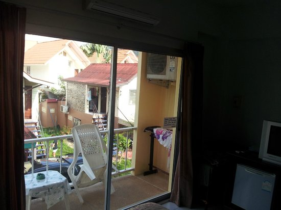 Baan Taveesri: Balcony