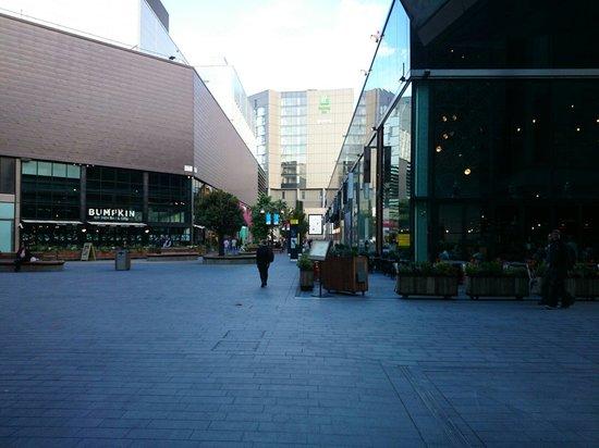 Holiday Inn London - Stratford City: Very nice location