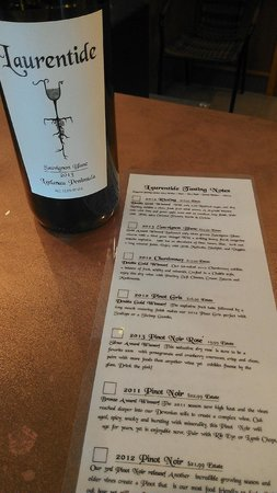 Laurentide Winery: Sauvignon Blan with tasting notes