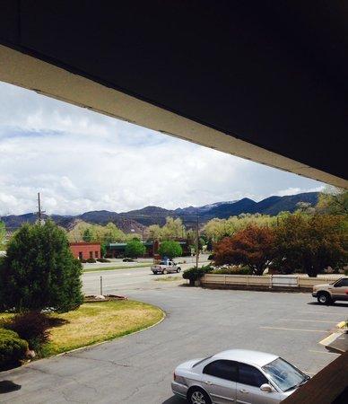 Salida Inn & Monarch Suites: view from front door