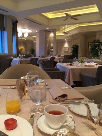 The Peninsula Hong Kong : Breakfast at Veranda