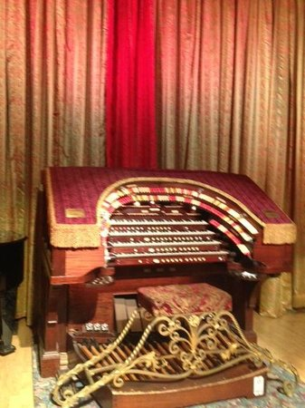 Old Town Music Hall: Organ