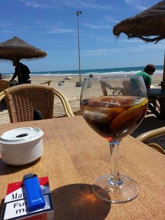 La Ola Restaurant & Lounge Bar: Buena tarde de domingo