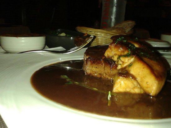 L'o a la bouche : Pavé de boeuf au foie gras! Quel régal! La viande est fondante hhmmmm