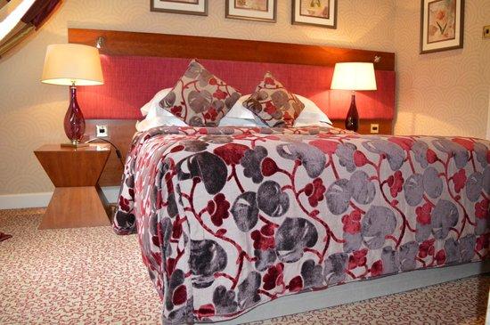 Grosvenor Pulford Hotel & Spa : Bed in Room 42
