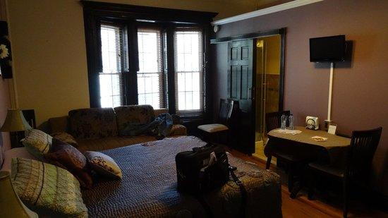 San Fermin B&B: Apartment 2B, groß, ruhig und sehr sauber