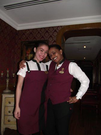 Arabian Courtyard Hotel & Spa: Bar Staff
