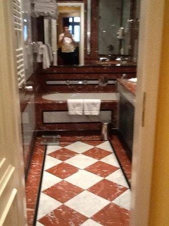 Art Nouveau Palace Hotel : bagno