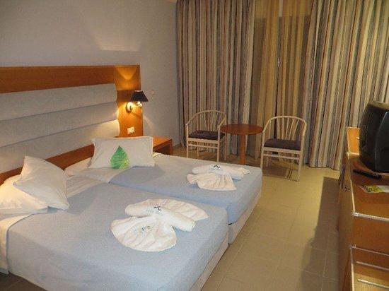 Lydia Maris Resort & Spa: Doppelzimmer preswert nahe Poolbar