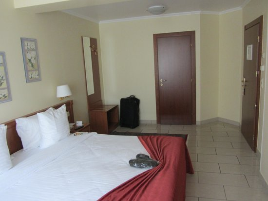 Best Western Plus Grand Hotel Victor Hugo : The room