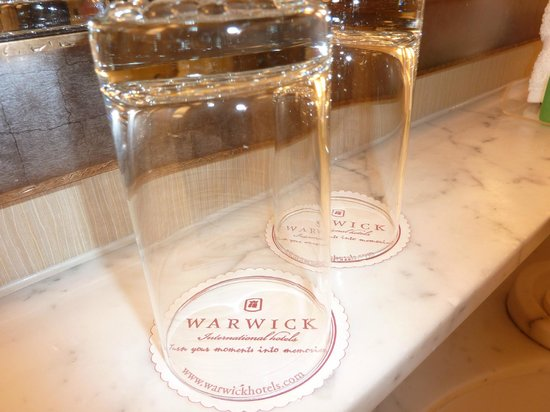 Warwick Seattle : Clean and welcoming.