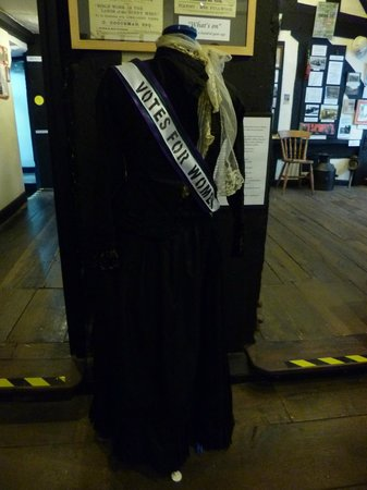 The Heritage Centre: Suffragette outfit