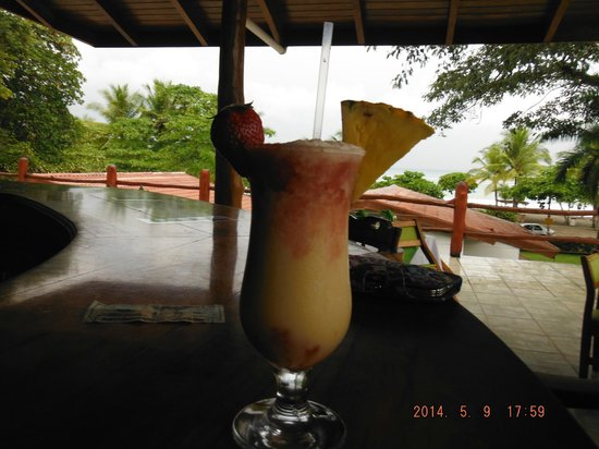 Agua Dulce Beach Resort: from the bar