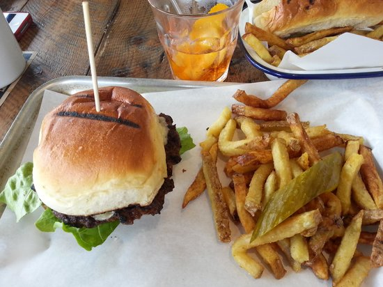 Hub: burger