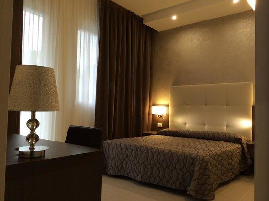 "Hotel Touring: camere "" Elegance"""