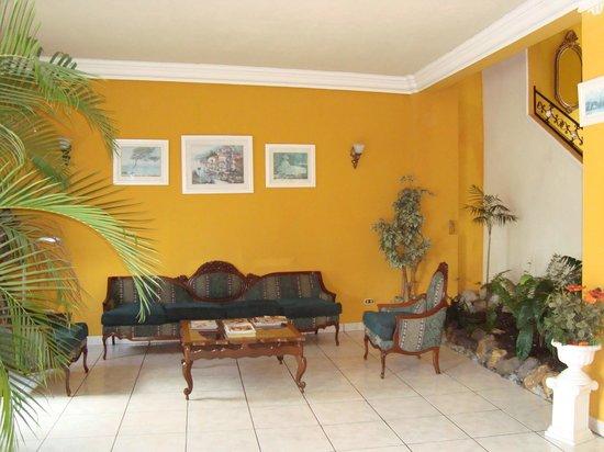 Hotel villa del lago flores recenze a srovn n cen for Hotel villa del lago