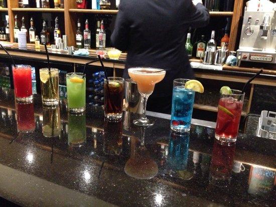 King Robert Hotel: Cocktails at The King Robert