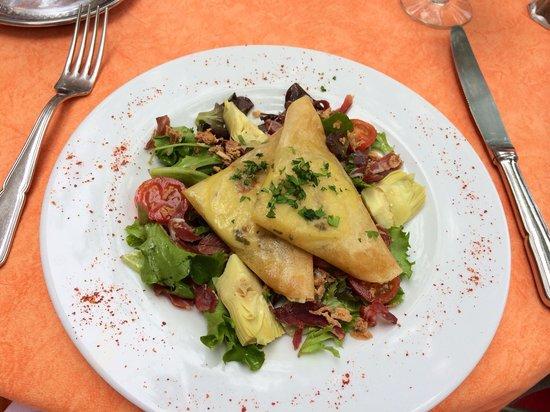 Restaurant La Bécassière : Salad with warm goat cheese