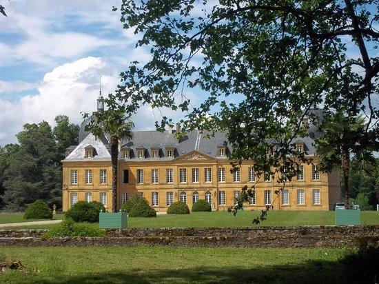Chateau de Digoine : Vue de l'entrée