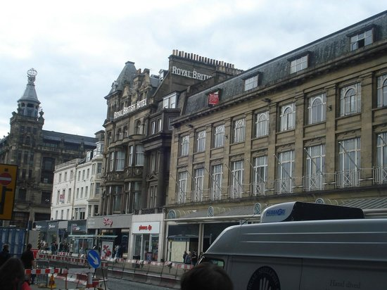 Royal British Hotel: View of Hotel from street