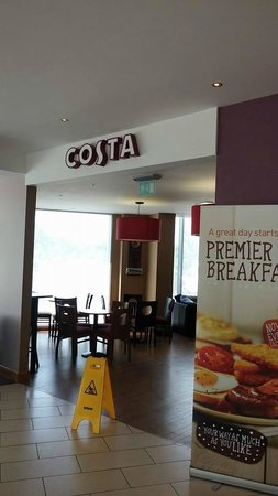 Premier Inn London Stansted Airport Hotel: Costa by reception