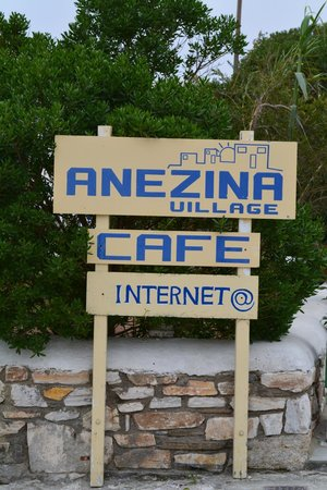 Anezina Village: sign on roadway