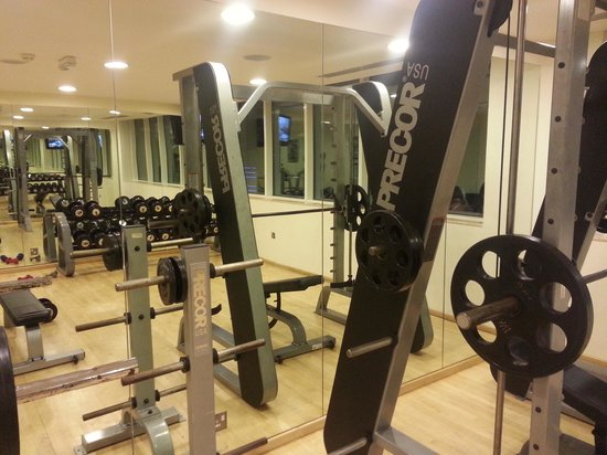 Cristal Hotel Abu Dhabi: well equipped gym!