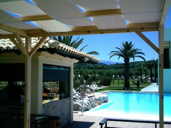 Solimar Aquamarine Hotel : pool bar