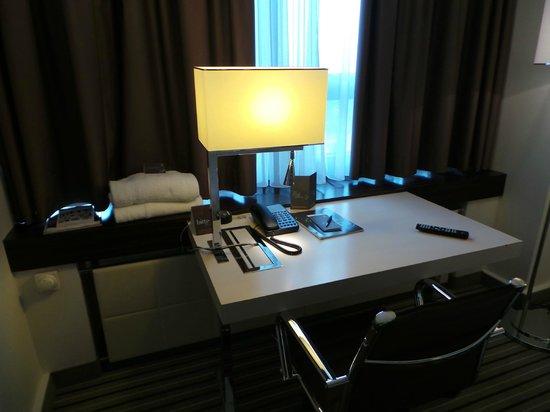 Sheraton Muenchen Arabellapark Hotel: Escritório