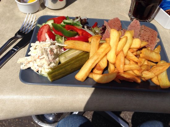 Waters Edge Cafe: Best salt beef and chips in Essex!!!