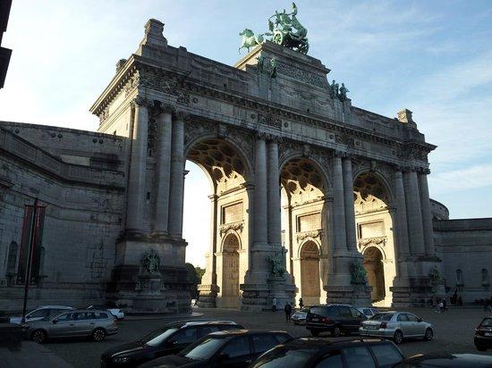 Parc du Cinquantenaire: o Arco do Triunfo