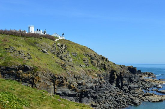 The Lizard and Kynance Cove: Lighthouse stand guard