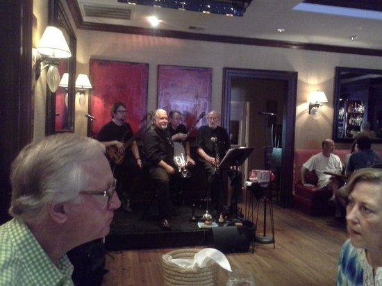 High Cotton Charleston: Dixieland band