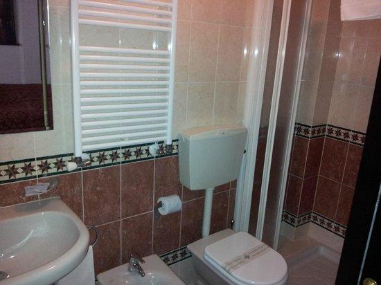 Aquavenice: Il bagno della stanza 203
