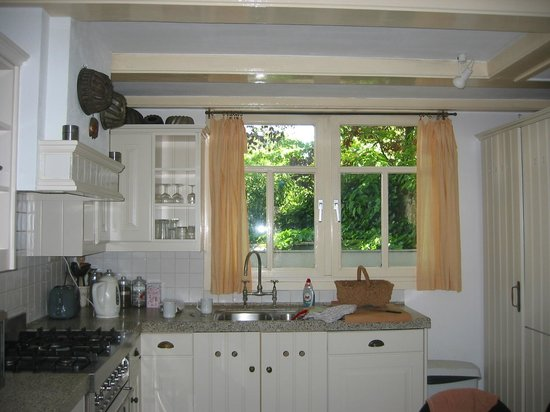 Maes B & B : Our lovely kitchen at Maes B&B
