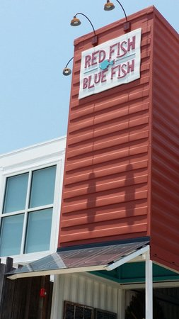 Red Fish Blue Fish: Good food on the beach