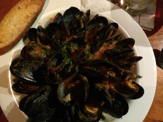 Old Ebbitt Grill: Cape Cod Mussels Fra Diavolo