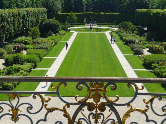 Musée Rodin : View of gardens from second floor