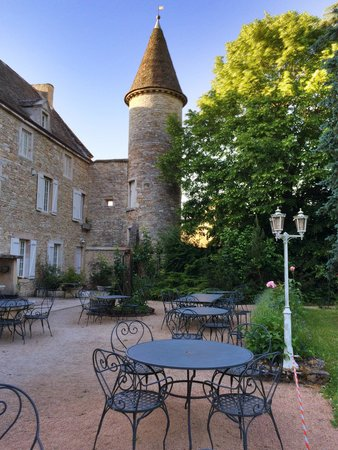 Chateau De Fleurville & Spa : Terrasse