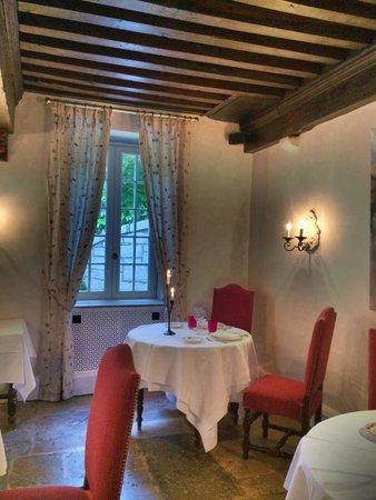 Chateau De Fleurville: La salle à manger
