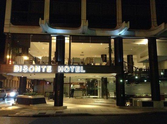 Hotel Bisonte Libertad: Frente del hotel