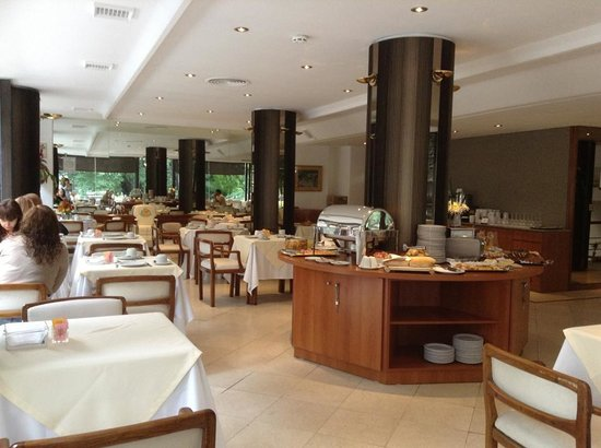 Hotel Bisonte Libertad: Desayuno Buffet