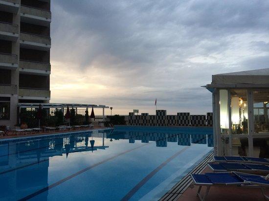 Imperial Sport Hotel: Direttamente sul mare