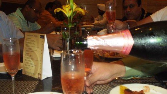 The Suryaa New Delhi : Dining