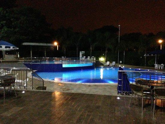 Viale Cataratas Hotel: Piscina