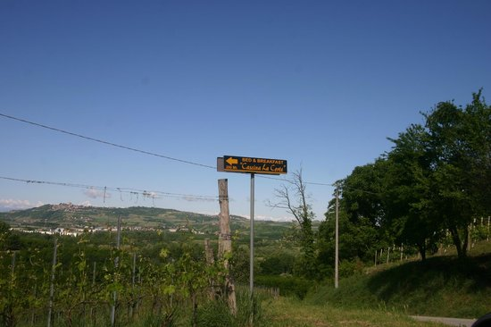 Cascina La Corte: The sign coming into the property