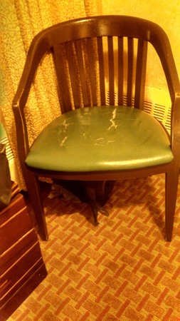 Chinatown Hotel: Broken chair. At least it matches the broken nightstand.