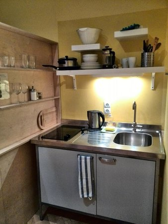WANZ'inn Design Appartements: Кухня