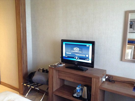 Hampton by Hilton Bursa : TV