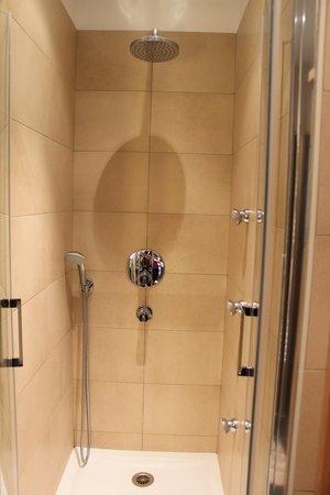 Center Parcs - Domaine des Trois Forets : shower